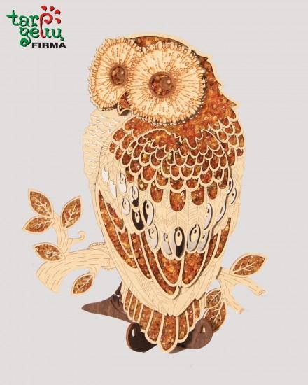 Samtelis dekoruotas gintaru