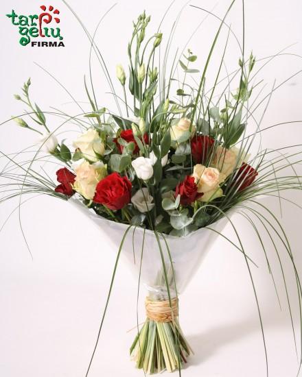 Rožių ir eustomų puokštė SERENADA