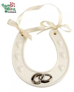Laimės pasaga su vestuviniais žiedais