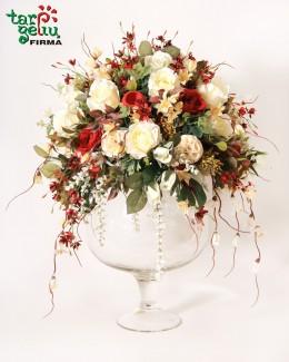 Solidi dirbtinių gėlių kompozicija