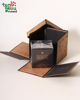 Kvepalai vyrui dovaninėje dėžutėje