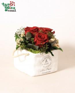 Stabilizuotų rožių kompozicija BORDO