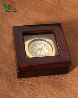Kompasas dėžutėje