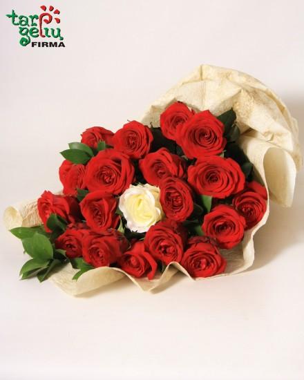 Букет из роз ВЕЧНАЯ ЛЮБОВЬ