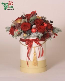 Новогодняя композиция из роз