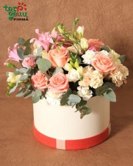Цветы в коробке SONATA