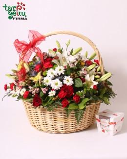 Корзина цветов СЛАДКИЙ ПОДАРОК