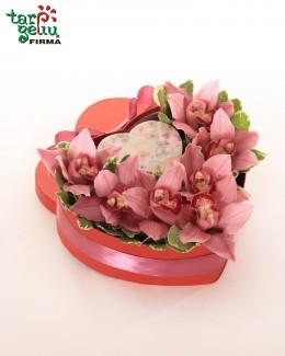 """Орхидеи в коробке """"Cердце"""""""