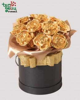 Коробка с золотыми розами