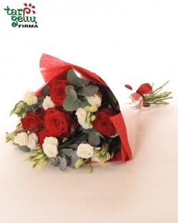 Букет из роз и эустома