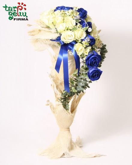 Arrangement of  roses MALVINA