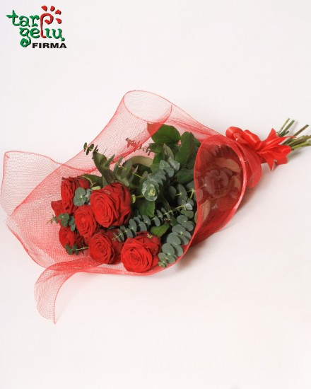 Popular bouquet of roses
