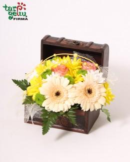 Arrangement FLOWERS CHEST