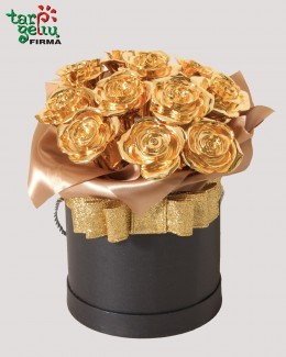 Box with golden roses