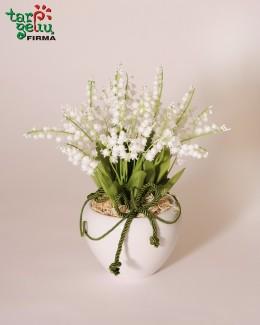 """Dirbtinių gėlių kompozicija """"Pakalnutės"""""""