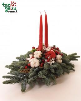Kalėdinė kompozicija su žvakėmis
