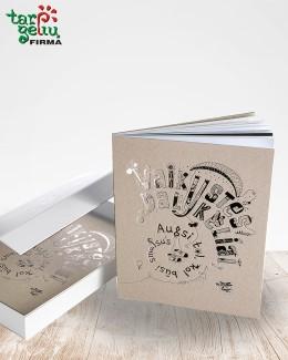 """Knyga """"Vaikystės dalykėliai"""" su dėžute"""