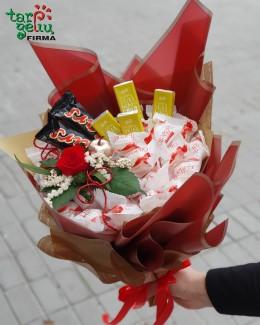 Puokštė iš saldainių