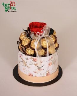 """Saldainių """"Ferrero Rocher"""" tortas"""