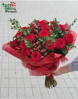 Populiari rožių puokštė