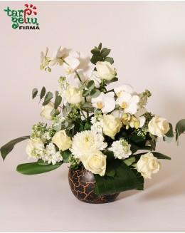 Gedulinga kompozicija su orchidėjomis