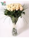 Kreminių rožių puokštė
