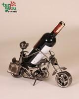 """Laikiklis buteliui """"Motociklininkas"""""""