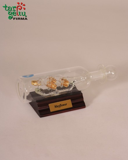Mini laivas butelyje-grafinas