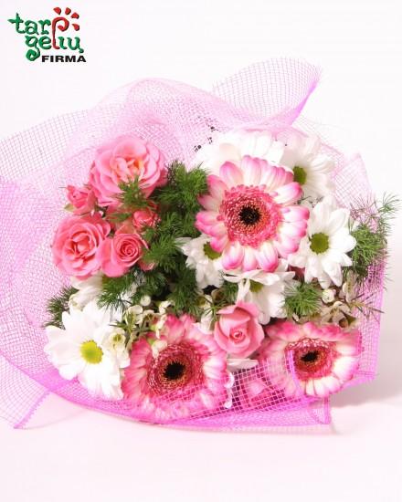 Rožinių spalvų puokštė