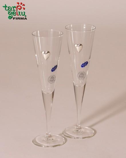 Šampaninės taurės su širdele