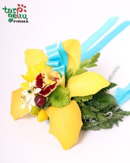 Браслет из орхидей