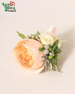 Butonjerė iš bijūninės rožės