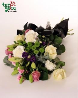 Букет траурный из белых роз