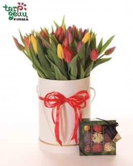 Тюльпаны в коробке и трюфели