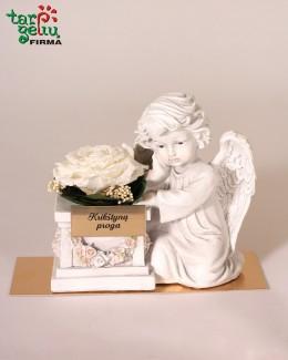 Angelas krikštynų proga