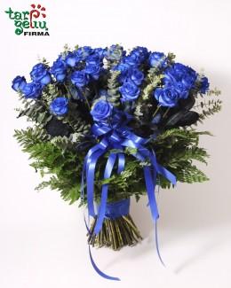 Букет из 50 синих роз