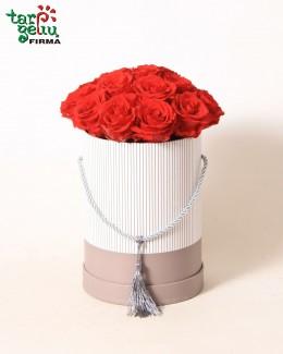 Коробка с розами RED