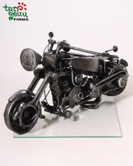 Suvenyras MOTOCIKLAS iš metalo detalių
