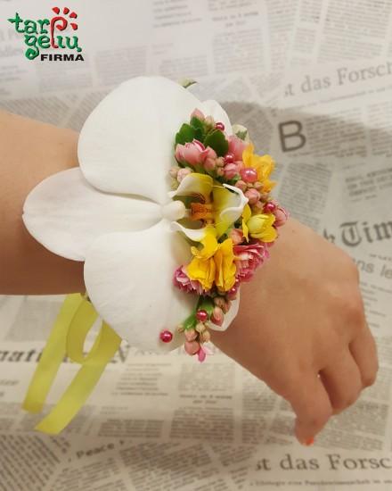 Flower bracelet bridesmaid