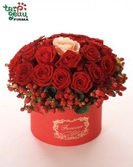 Box with roses I WILL LOVE