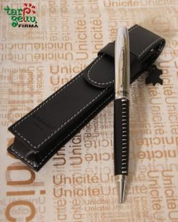 Rašiklis odiniame dėkle