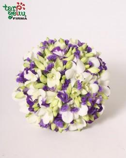 Puokštė iš orchidėjų ir eustomų