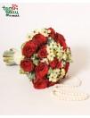 Vestuvinė puokštė su rožėmis ir perlais