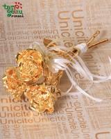 Gold rose bouquet